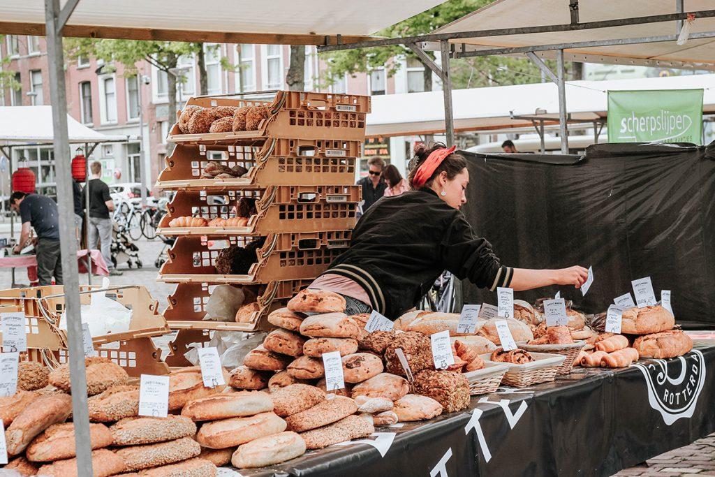 Shopping local = buying local at the Oogstmarkt, Noordplein